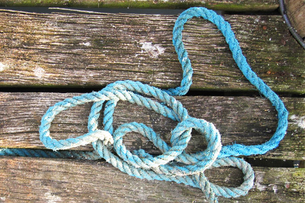 Seil auf Bootssteg